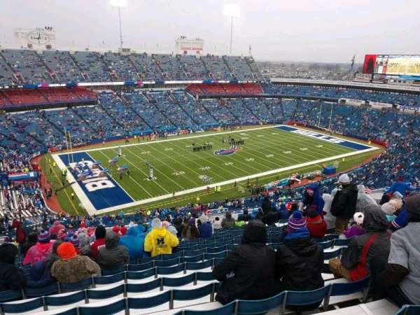 New Era Field, vak: 316, rij: 33, stoel: 11