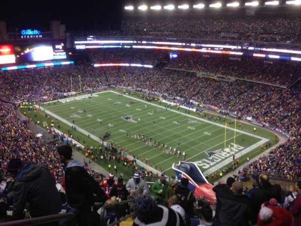 Gillette Stadium, vak: 301, rij: 18, stoel: 12