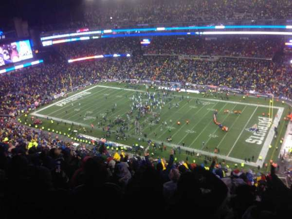 Gillette Stadium, vak: 305, rij: 25, stoel: 5