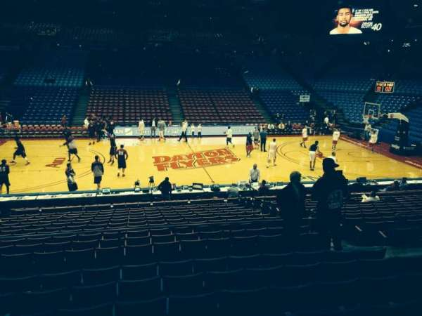 University Of Dayton Arena, vak: 219, rij: H, stoel: 8