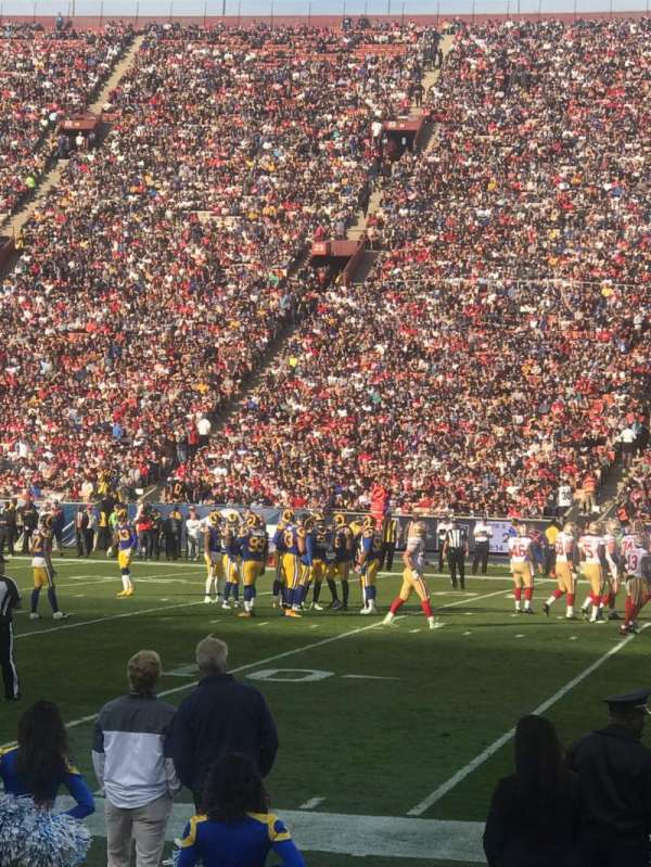 Los Angeles Memorial Coliseum, vak: 5H, rij: 5, stoel: 114