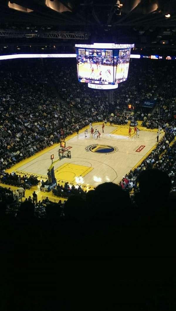 Oakland Arena, vak: 205, rij: 8, stoel: 13