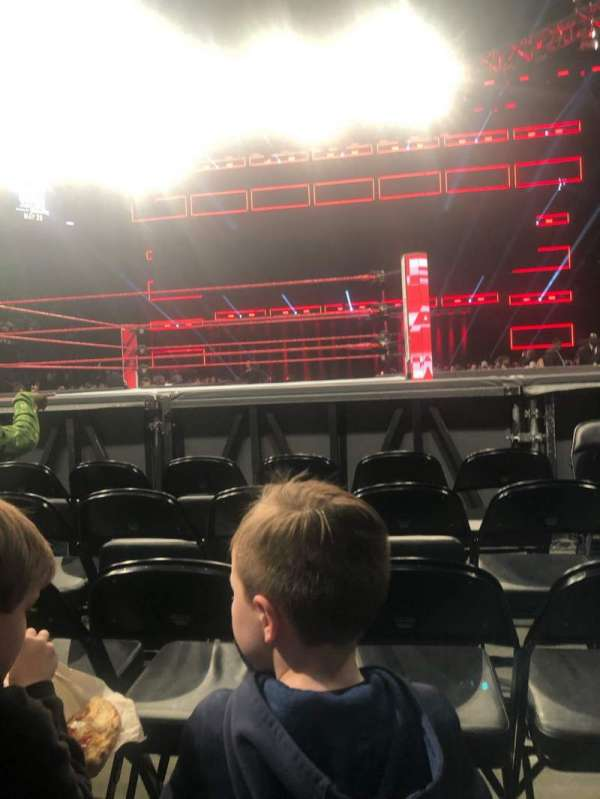 State Farm Arena, vak: FLOOR 4, rij: E, stoel: 2