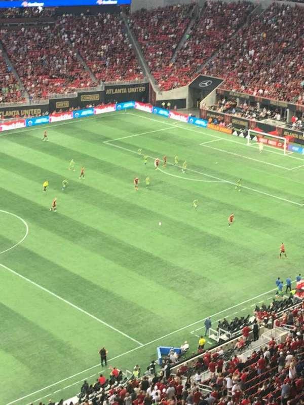 Mercedes-Benz Stadium, vak: 343, rij: 1, stoel: 3