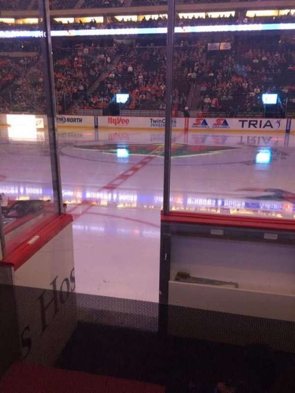 Xcel Energy Center, vak: 103, rij: 3, stoel: 17