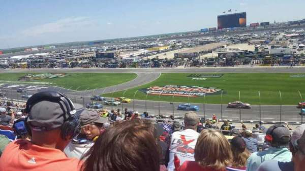 Texas Motor Speedway, vak: 113, rij: 42, stoel: 15