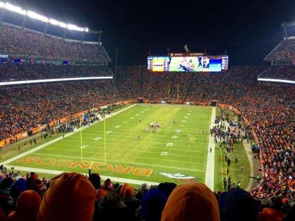 Broncos Stadium at Mile High, vak: 321, rij: 16, stoel: 12