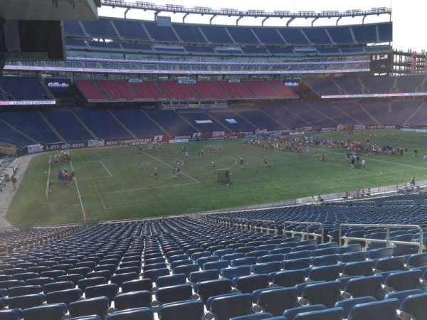 Gillette Stadium, vak: 114, rij: 38, stoel: 8