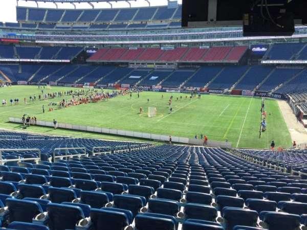 Gillette Stadium, vak: 105, rij: 38, stoel: 9