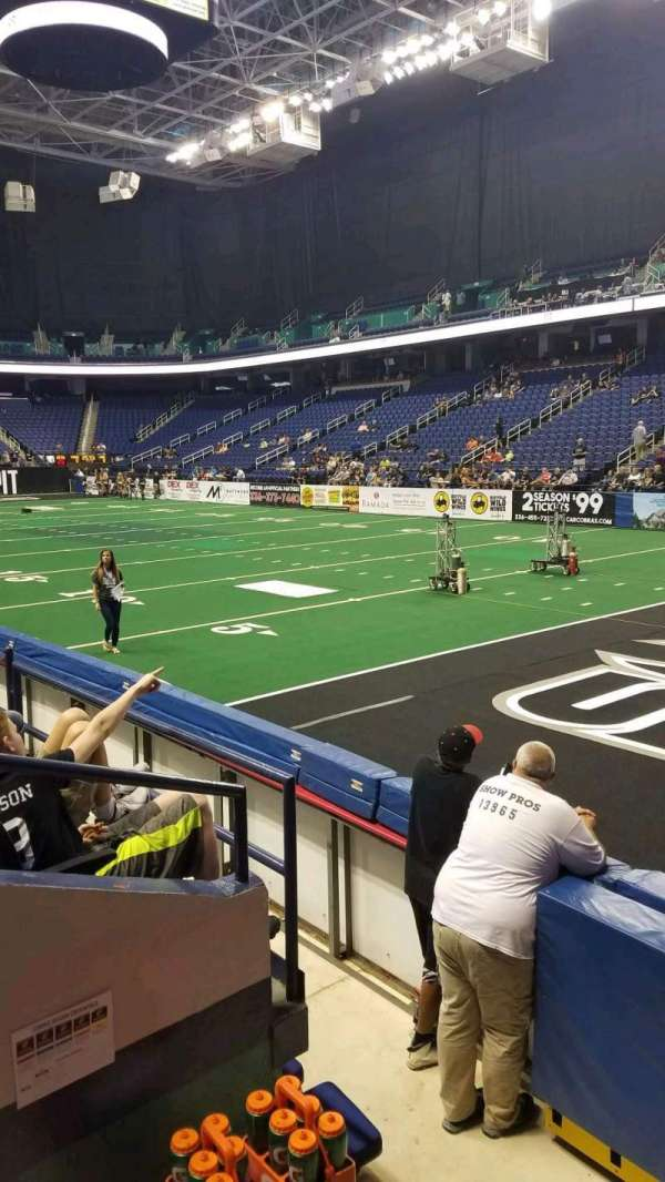Greensboro Coliseum, vak: 114, rij: DD, stoel: 1