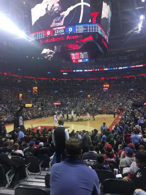 Scotiabank Arena, vak: 101, rij: 5, stoel: 9