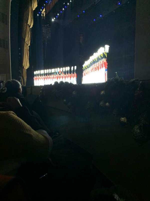 Radio City Music Hall, vak: Orchestra 2, rij: DD, stoel: 201