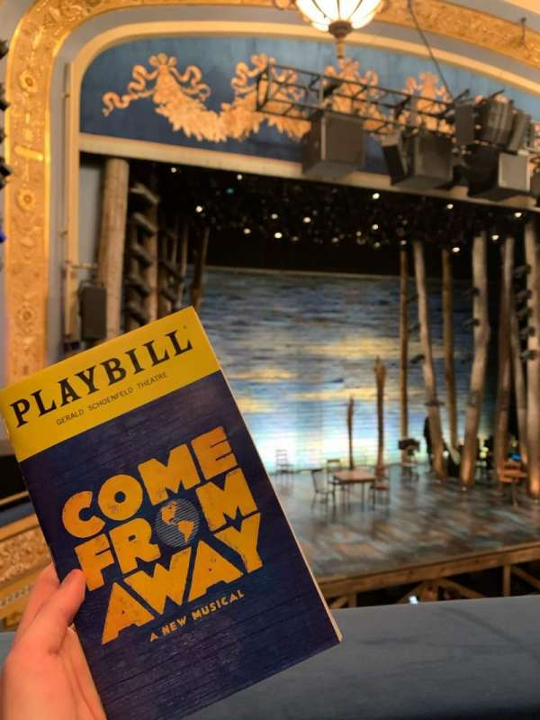Gerald Schoenfeld Theatre, vak: Mezzanine L, rij: A, stoel: 9/11
