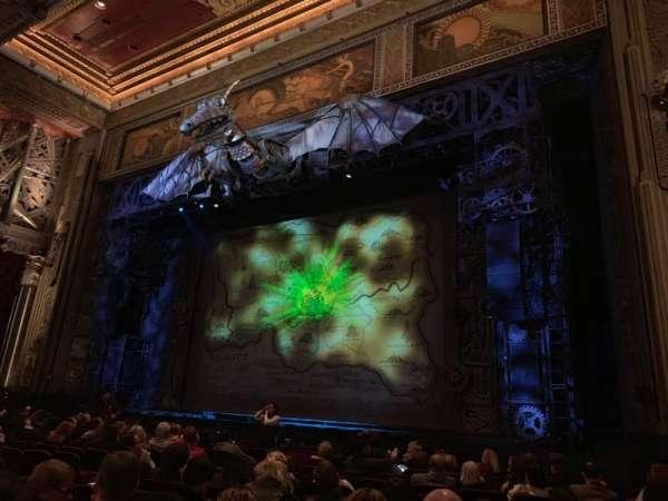 Hollywood Pantages Theatre, vak: Orchestra RC, rij: M, stoel: 212
