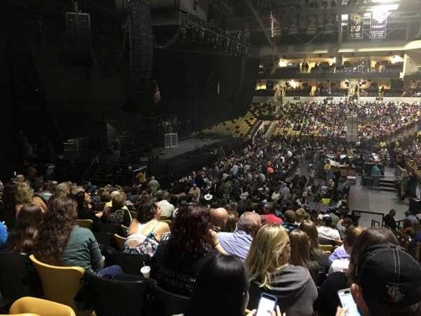 CFE Arena, vak: 105, rij: V, stoel: 1