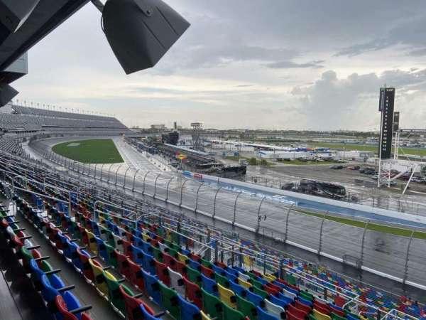 Daytona International Speedway, vak: 174, rij: 37, stoel: 26