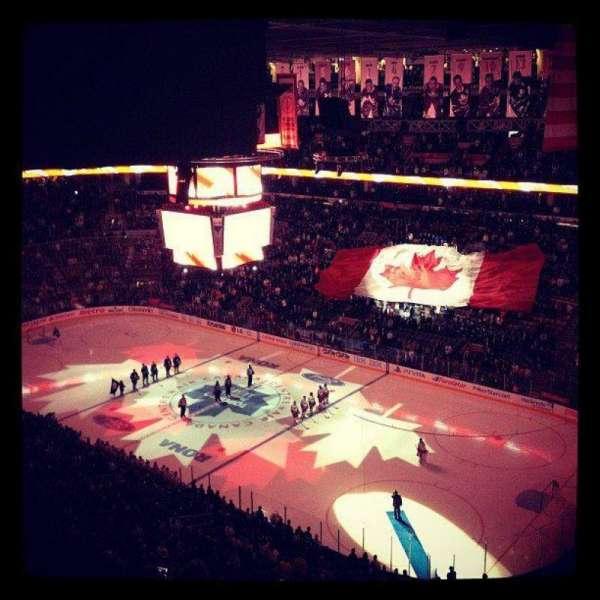 Scotiabank Arena, vak: 318, rij: 12, stoel: 25