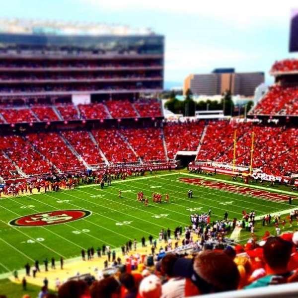 Levi's Stadium, vak: 221, rij: 23, stoel: 1