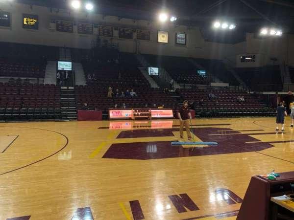 McGuirk Arena, vak: 115, rij: A, stoel: 2