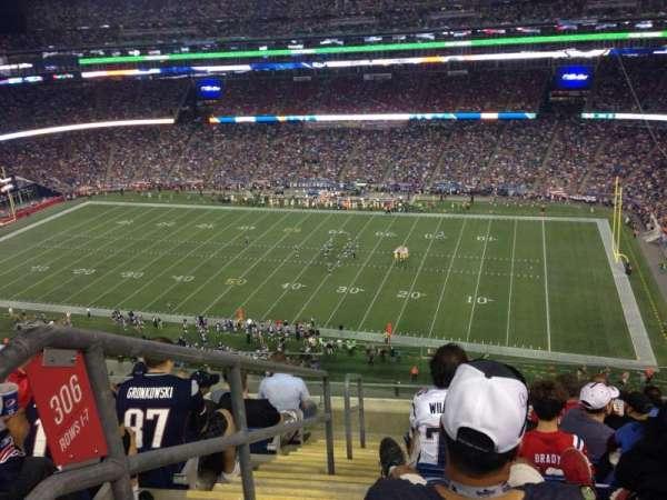 Gillette Stadium, vak: 305, rij: 8, stoel: 22