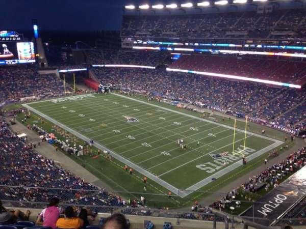 Gillette Stadium, vak: 323, rij: 7, stoel: 1