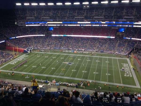Gillette Stadium, vak: 329, rij: 25, stoel: 17