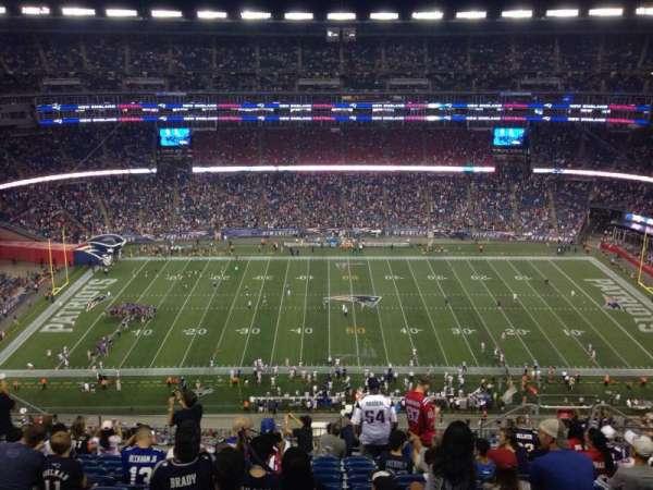 Gillette Stadium, vak: 332, rij: 20, stoel: 10