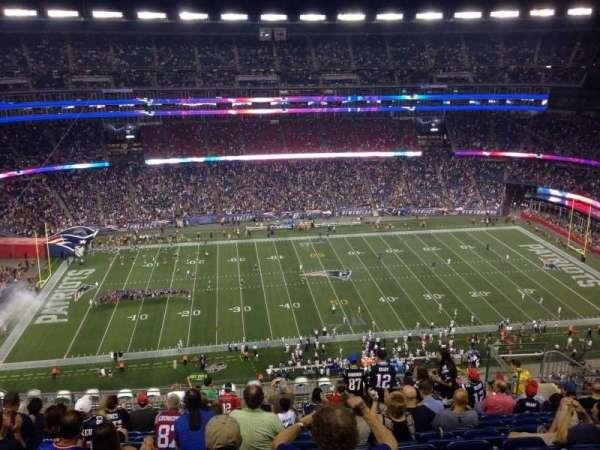 Gillette Stadium, vak: 333, rij: 33, stoel: 12