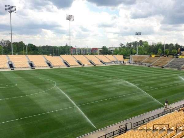 Fifth Third Bank Stadium, vak: 102 Outdoor Bay Suite, rij: 1