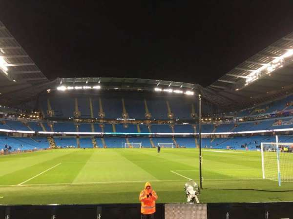 Etihad Stadium (Manchester), vak: 138, rij: H, stoel: 172
