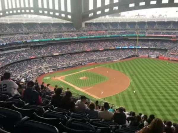 Yankee Stadium, vak: 411, rij: 14, stoel: 12