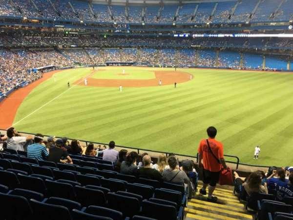 Rogers Centre, vak: 207L, rij: 9, stoel: 101