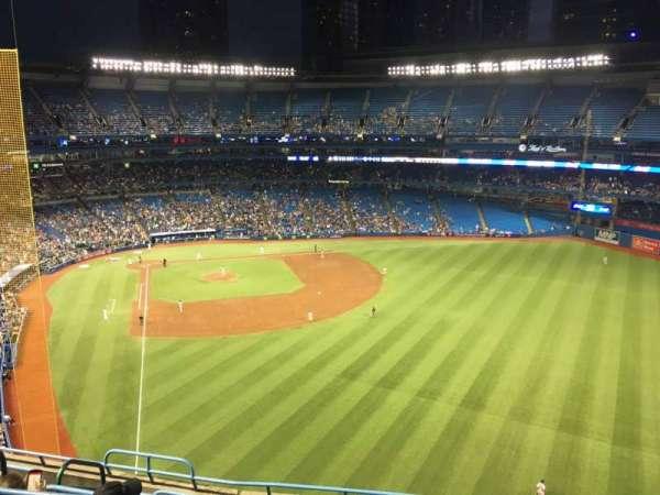 Rogers Centre, vak: 509r, rij: 8, stoel: 4