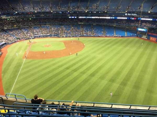 Rogers Centre, vak: 508r, rij: 8, stoel: 6