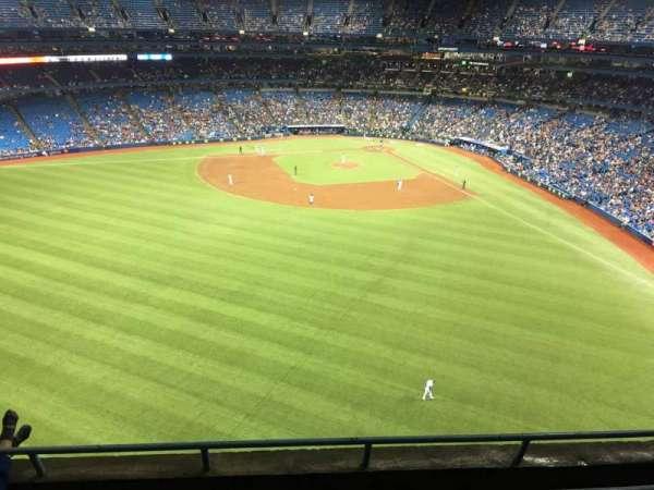 Rogers Centre, vak: 544R, rij: 4, stoel: 7