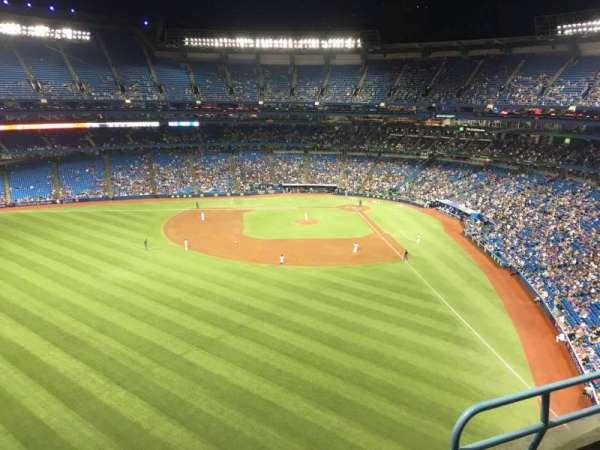 Rogers Centre, vak: 541L, rij: 3, stoel: 103