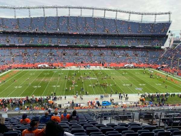 Empower Field at Mile High Stadium, vak: 310, rij: 16, stoel: 8