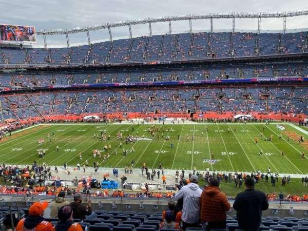 Empower Field at Mile High Stadium, vak: 307, rij: 10, stoel: 7