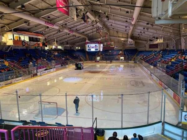1st Summit Arena, vak: 10, rij: L, stoel: 2