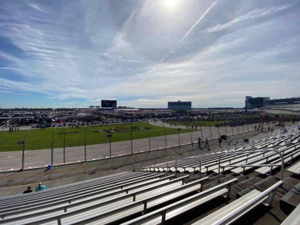 Texas Motor Speedway, vak: 412, rij: 17, stoel: 12