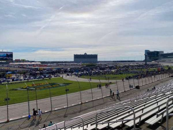 Texas Motor Speedway, vak: 413, rij: 21, stoel: 10
