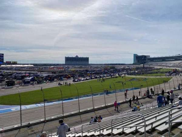 Texas Motor Speedway, vak: 421, rij: 22, stoel: 13