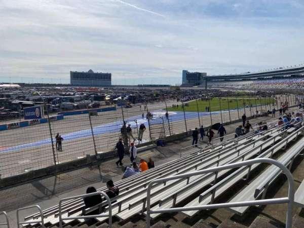 Texas Motor Speedway, vak: 427, rij: 13, stoel: 18