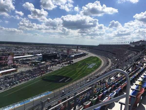 Daytona International Speedway, vak: 433, rij: 31, stoel: 3