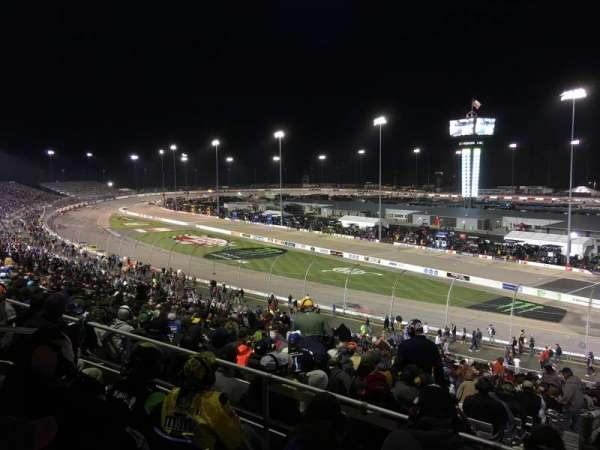 Richmond International Raceway, vak: P, rij: 4, stoel: 5