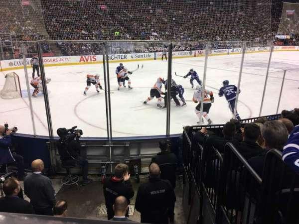 Scotiabank Arena, vak: 111, rij: 9, stoel: 5