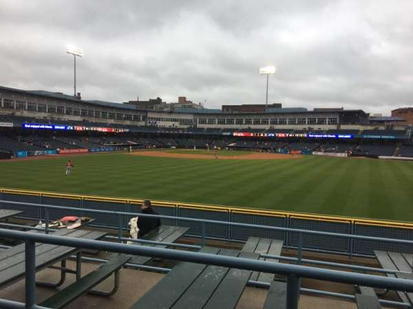 Fifth Third Field, vak: 120, rij: SRO