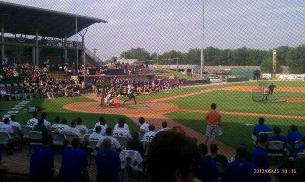 David Allen Memorial Ballpark, vak: 1, rij: 4, stoel: 34