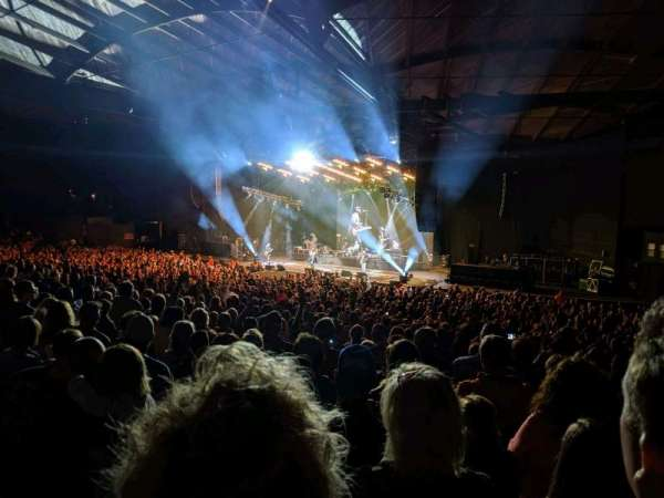 Alpine Valley Music Theatre, vak: 203, rij: NN, stoel: 28