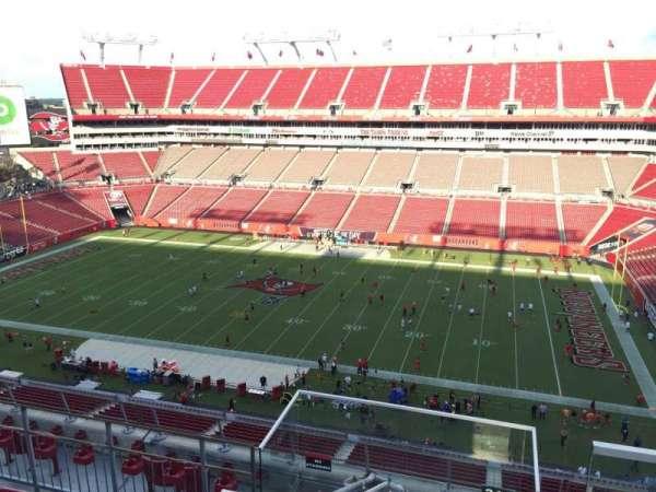 Raymond James Stadium, vak: 313, rij: E, stoel: 24